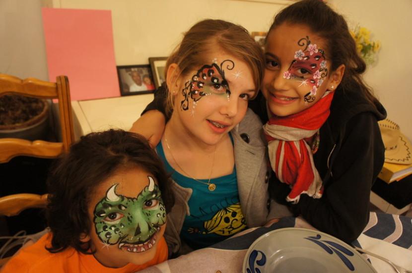 maquillages pour enfants à Marseille, maquillages de fêtes pour enfants avec Fabrizio magicien à Marseille et en France