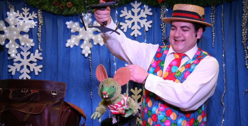 marionnette souris verte de Fabrizio le magicien fantaisiste à Marseille et en France, spectacles pour les enfants avec Fabrizio à Marseille et en Provence
