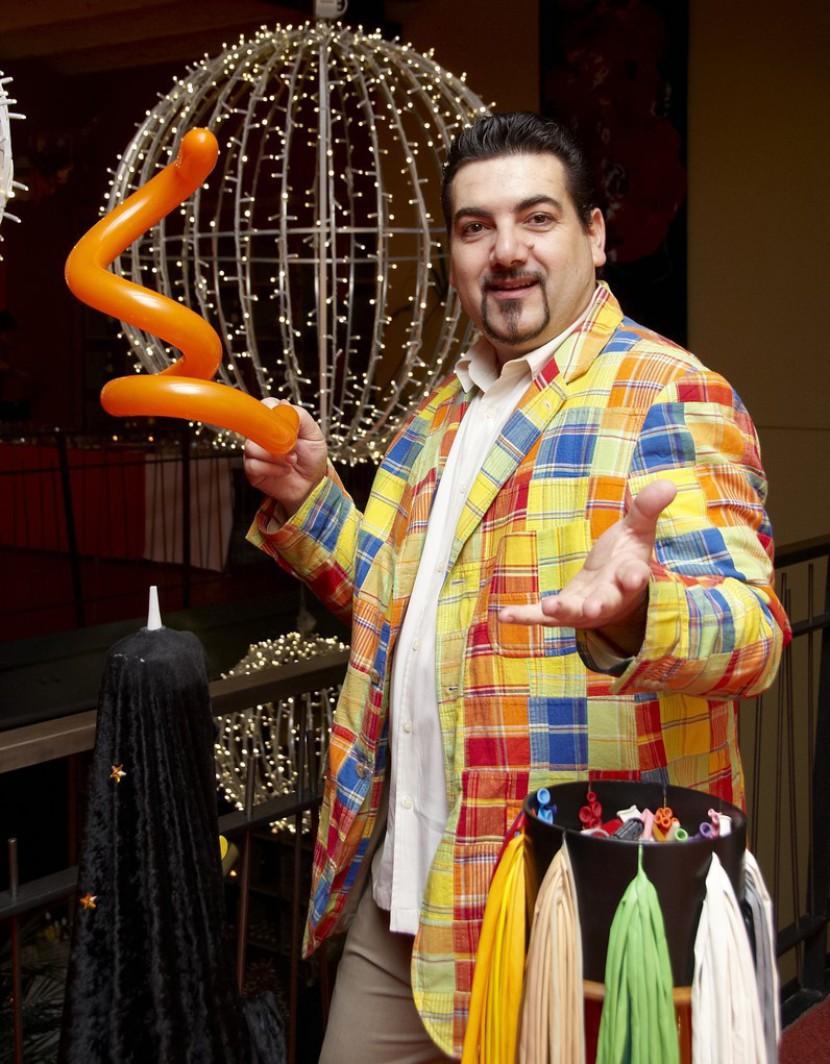 Magicien sculpteur de ballons pour vos soirées de galas à Marseille et en France
