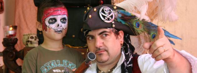 spectacle de magie Pirate avec Fabrizio, anniversaire de pirate à Marseille, anniversaire de pirate avec Fabrizio le magicien à Marseille