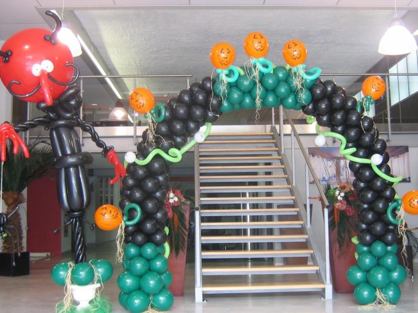décoration Halloween avec les ballons de Fabrizio artiste à Marseille, décoration ballons Provence