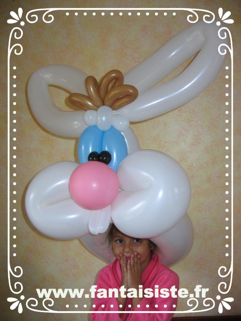 lapin en ballons de Fabrizio le magicien des enfants à Marseille et région Provence-Alpes-Côte d'Azur, Magic Balloon avec Fabrizio le magicien des enfants
