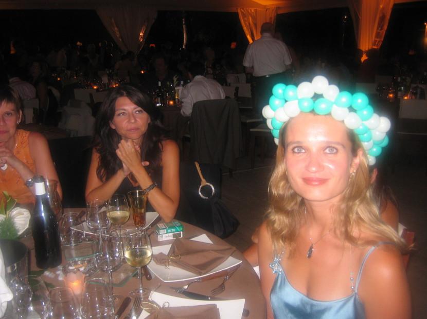 chapeau en ballons de Fabrizio le magicien dans vos mariages en provence, animation mariages à Marseille