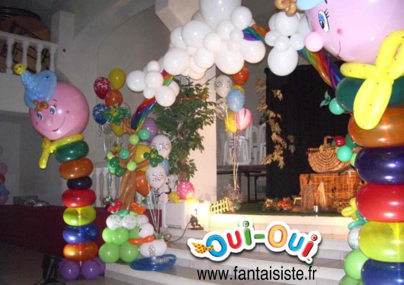 décoration ballons oui-oui pour un baptème à Marseille et région PACA provence, décoration ballons Marseille