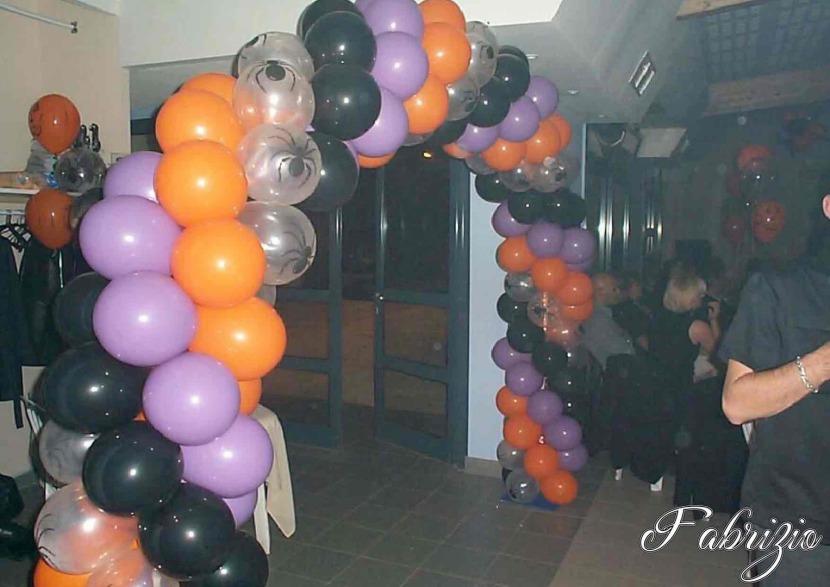 arche en ballons pour Halloween par Fabrizio le sculpteur de ballons Français