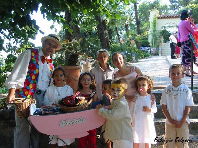 animations enfants pour les mariages à marseille, le landau de Fabrizio le magicien des enfants à Marseille et sa région PACA spectacles pour enfants Marseile, spectacles mariages à Toulon