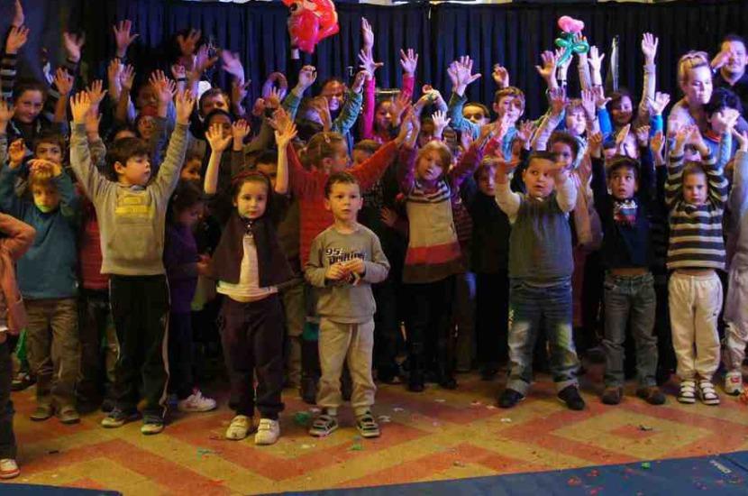 spectacle de magie pour enfants avec Fabrizio centres aérés, écoles de marseille et provence région PACA