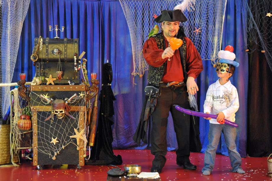 pirate magicien en spectacle pour enfants à Marseille