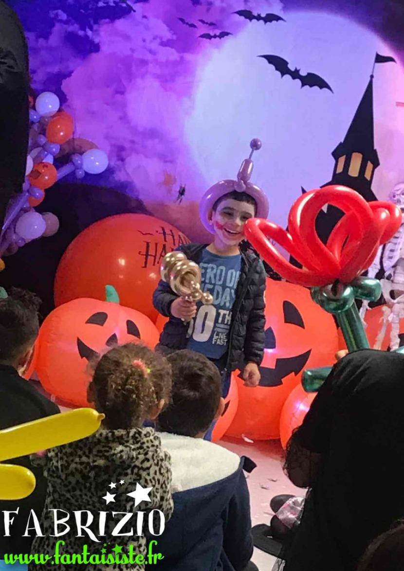 maquillages d'halloween, maquillages masques Halloween, maquillages de mostres d'Halloween de Fabrizio le magicien des enfants à MArseille PACA, artiste maquilleur à Marseille pour Halloween