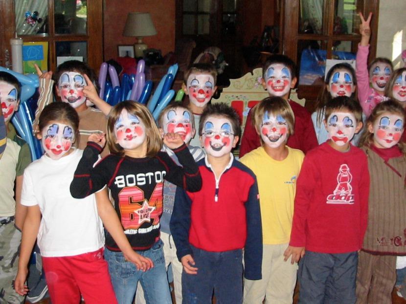maquillages de clown avec fabrizio le magicien à Marseille, maquillages de clown carnaval, carnaval des clowns Marseille