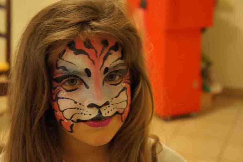 maquillage de tigre rose, maquillage de panthere rose, maquillages de Fabrizio le magicien Fantaisiste à marseille