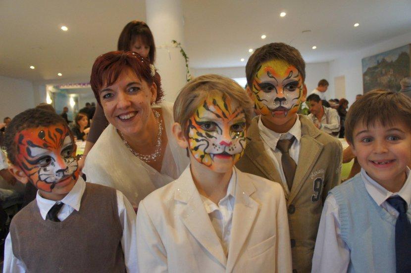 maquillages de tigres, enfants maquillés en tigre, maquillages enfants, maquillages de fête, las maquillages de Fabrizio le magicien fantaisiste à Marseille