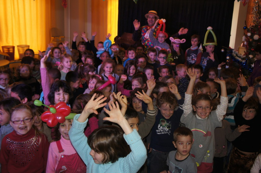spectacle de magie pour les enfants à Marseille et bouches du rhône, spectacles pour enfants Marseille, spectacle de Noël pour les enfants des bouches du rhône