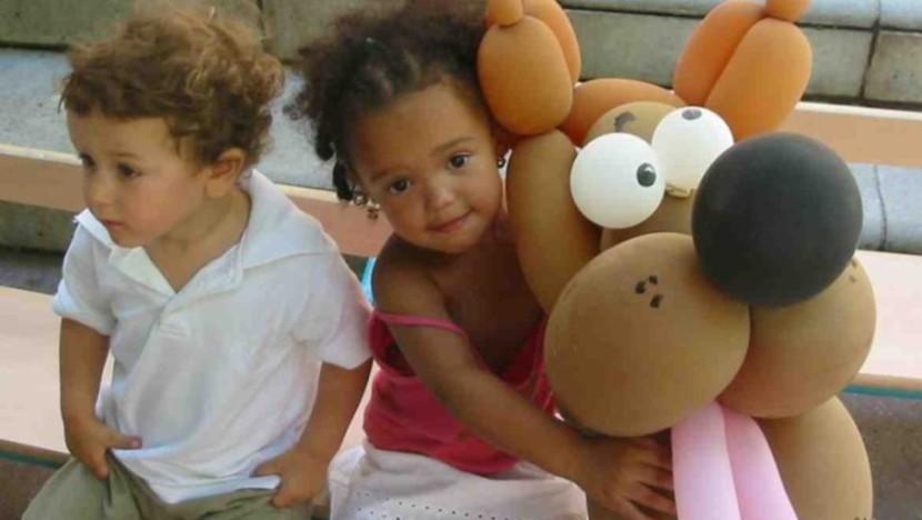 ballons tête de chien pour les enfants à Marseille, spectacle de ballons pour les crèches et écoles de Marseille, spectacle enfants à Marseille