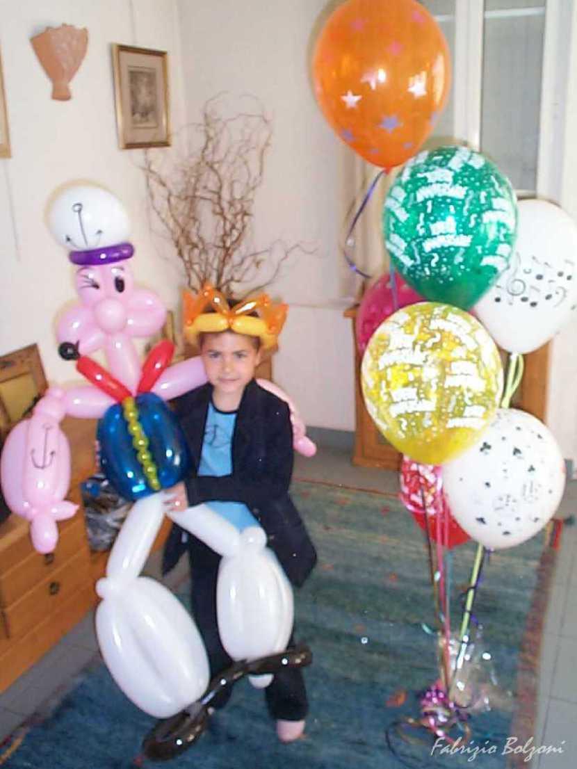 popeye le marin en ballons sculptés de Fabrizio le magicien à Marseille, magic balloon marseille, les ballons de Fabrizio le magicien à Marseille, spectacle pour enfants dans les bouches du Rhône avec Fabrizio