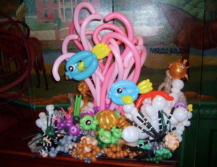 fonds sous-marin en ballons sculptés de Fabrizio le magicien fantaisiste à Marseille, Magic Balloon Marseille Fabrizio artiste des ballons à Marseille, Balloon Artist in Provence Marseille