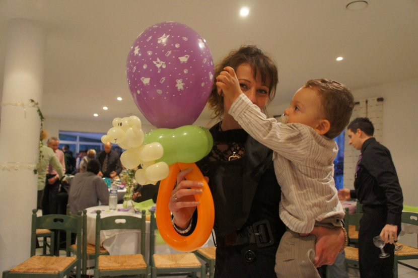 ballons sculptés de Fabrizio à Marseille, animations sculptures de ballons avec Fabrizio le magicien à Marseille
