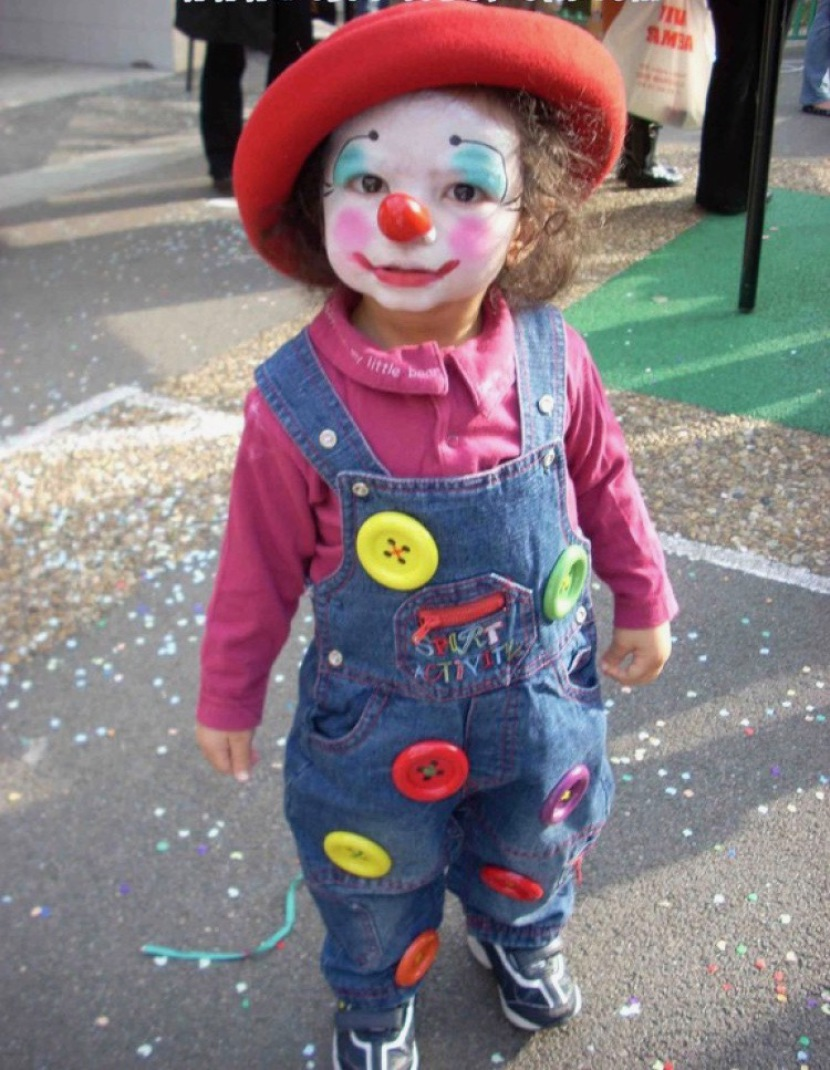 petit clown, maquillage de clown, les maquillages de Fabrizio artiste à Marseille, animations maquillages pour enfants en Provence