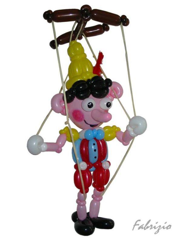pinoccio en ballons de Fabrizio le magicien pour enfants à Marseille, artiste des ballons sculptés à Marseille et région Provence