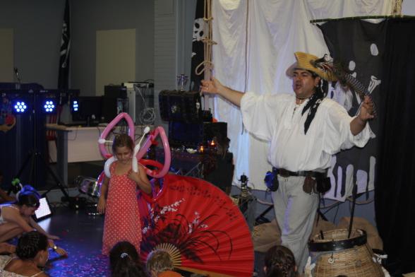 spectacle de magie pour enfants à Marseille avec Fabrizio le magicien pirate en Provence Alpes Côte d'Azur