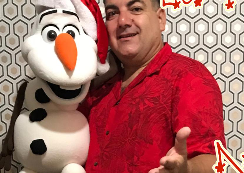 anniversaire enfants reine des neiges avec Fabrizio le meilleur magicien comique et Olaf le bonhomme de neige