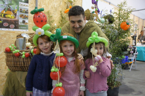 Les ballons de Fabrizio, chapeaux en ballons sculptés Marseille