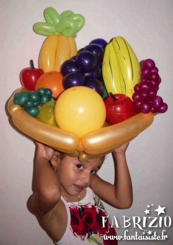 corbeille de fruits en ballons Fabrizio magicien Marseille