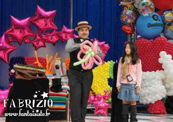 spectacle de ballons sculptés avec Fabrizio au Japon