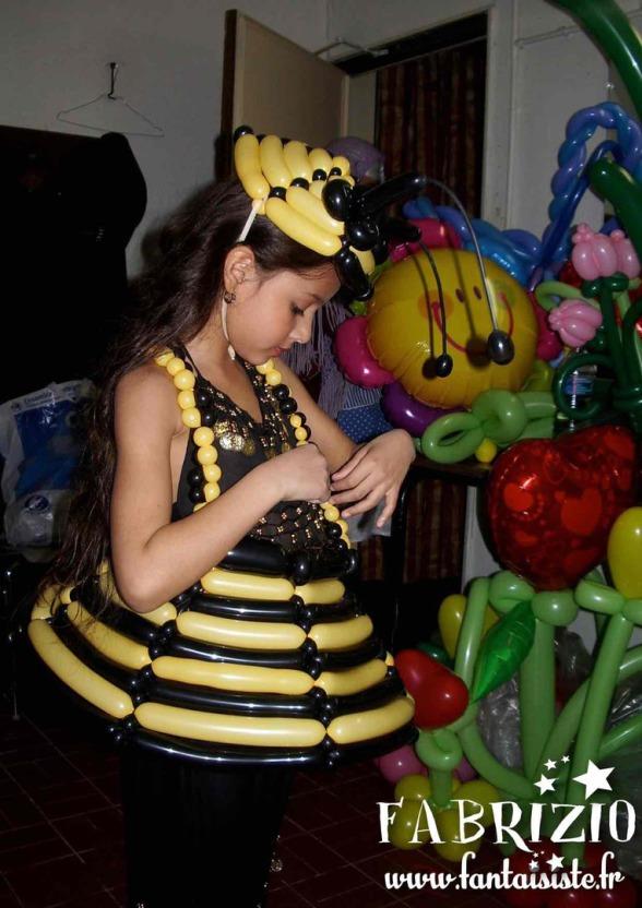 robe en ballons de Fabrizio Bolzoni magicien à Marseille