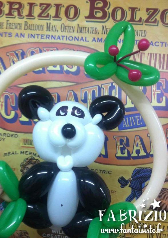 panda en ballons sculptés par Fabrizio Bolzoni artiste à Marseille, sculptures en ballons Marseille