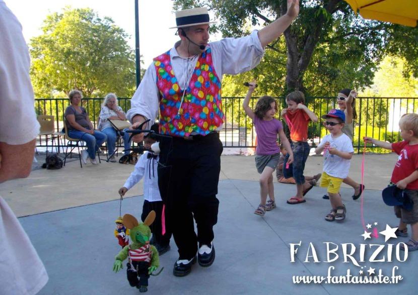 marionnette souris verte de Fabrizio le magicien fantaisiste à Marseille