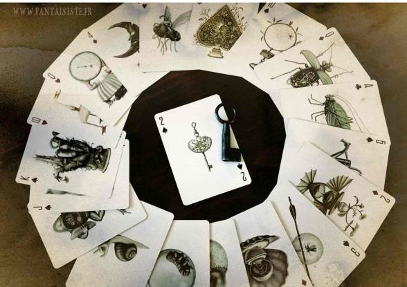 la roue de la fortune magique, divination des cartes, mentalisme Marseille, tour de magie bizarre, cartes à jouer suréalistes, la cléf des mystères