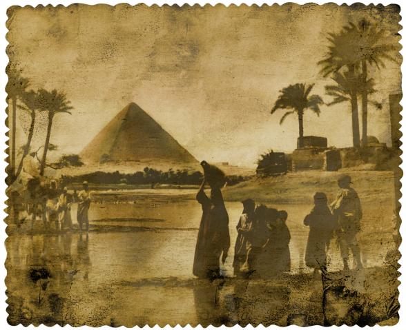 pyramide de Khéops, souvenirs d'Egypte, oasis dans le desert