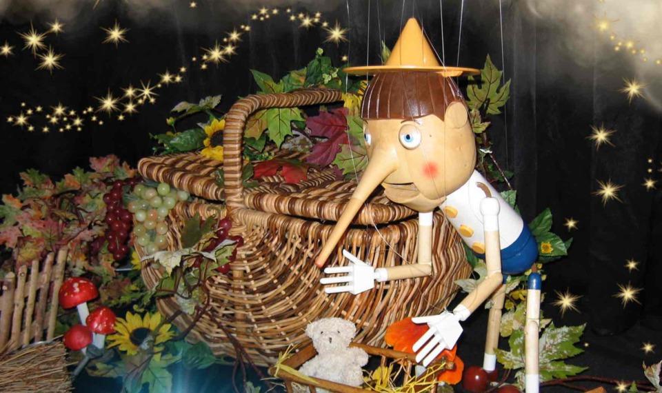 pinocchio de Fabrizio la marionnette magique de fantaisie à Marseille